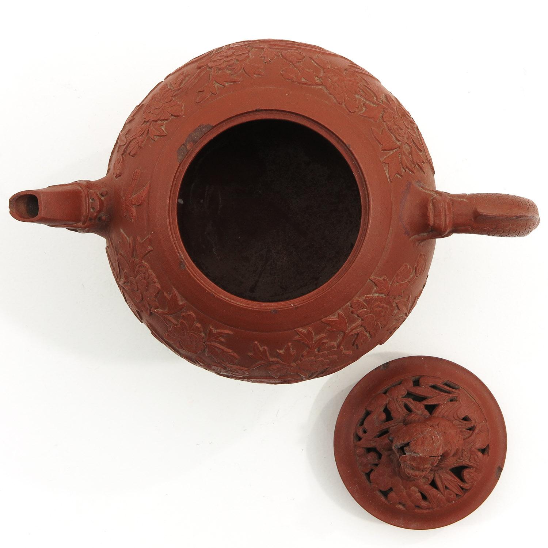 A Yixing Teapot - Image 5 of 10