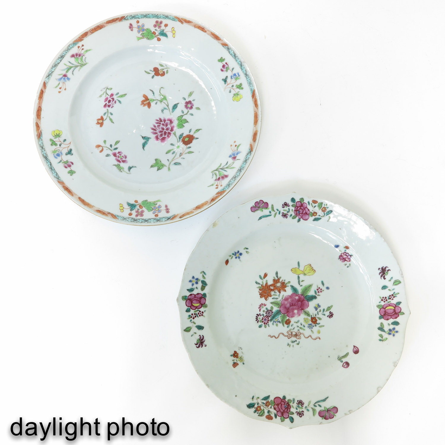A Series of Famille Rose Plates - Image 9 of 10