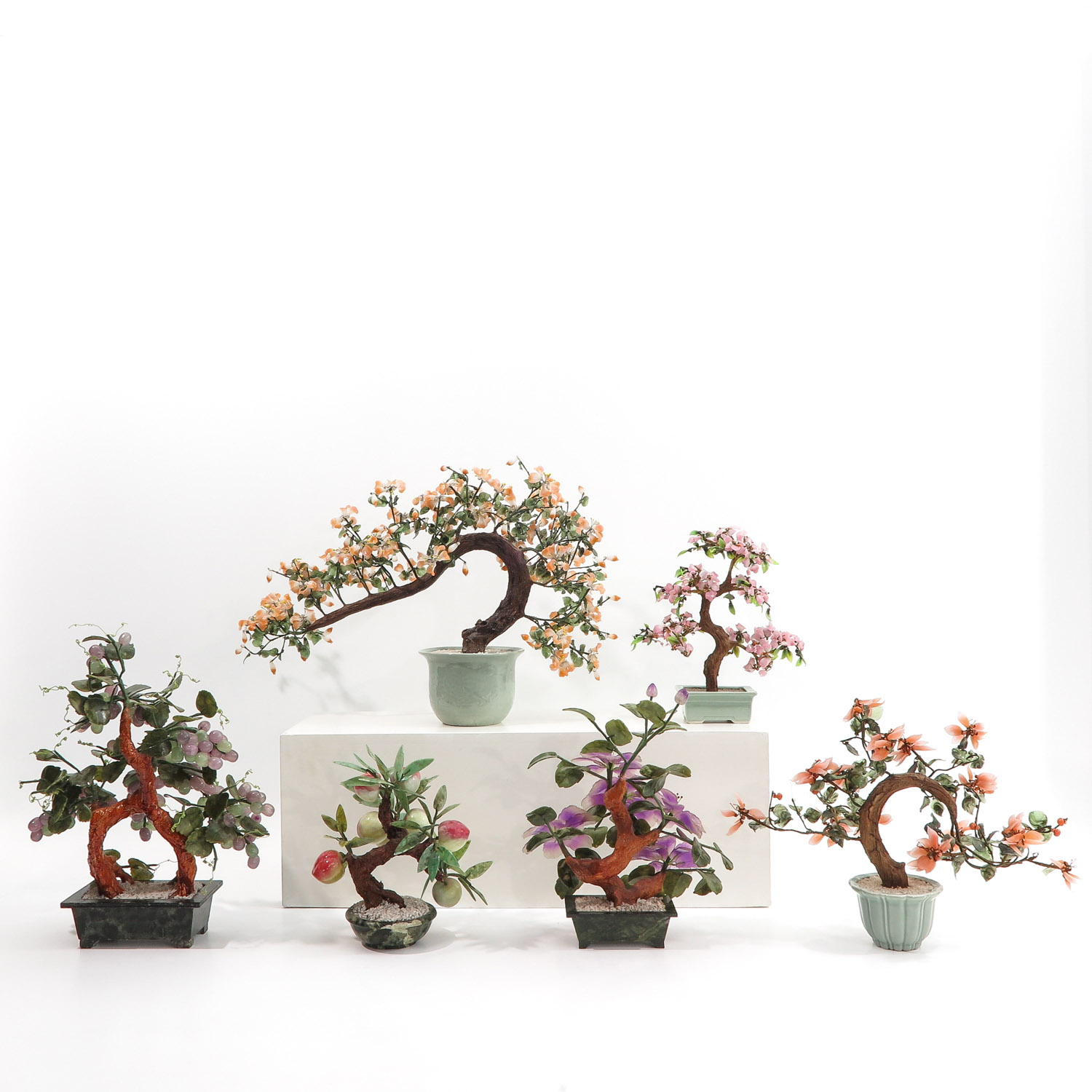 A Collection of Floral Arrangements - Image 3 of 10