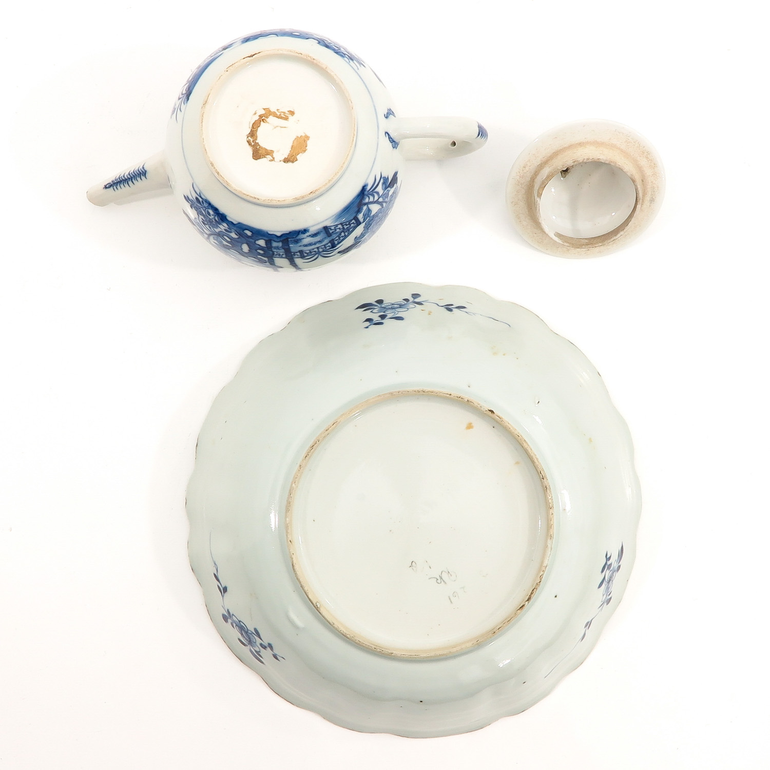 A Blue and White Bowl and Teapot - Image 6 of 10
