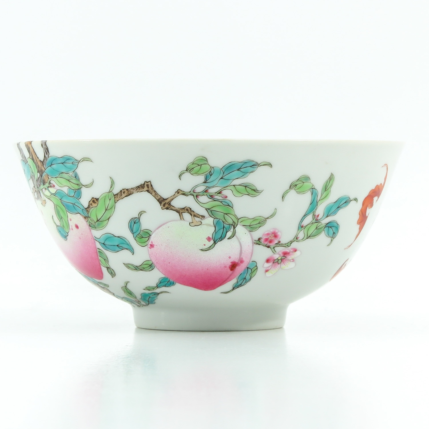 A Famille Rose Bowl - Image 2 of 10