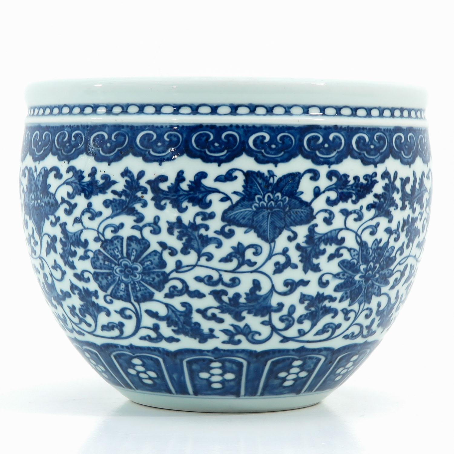 A Blue and White Pot - Image 3 of 9