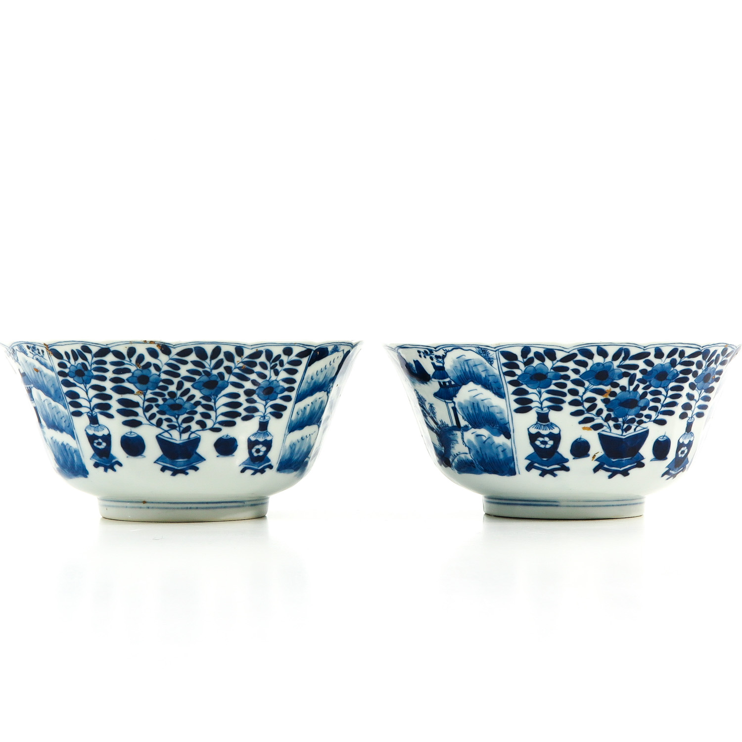 A Pair of Blue and White Bowls - Image 3 of 10