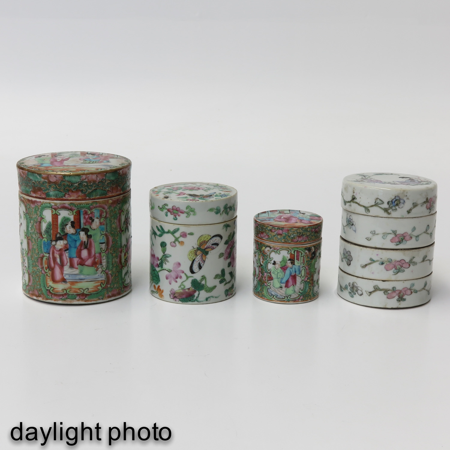 A Collection of 4 Chinese Boxes - Image 7 of 10
