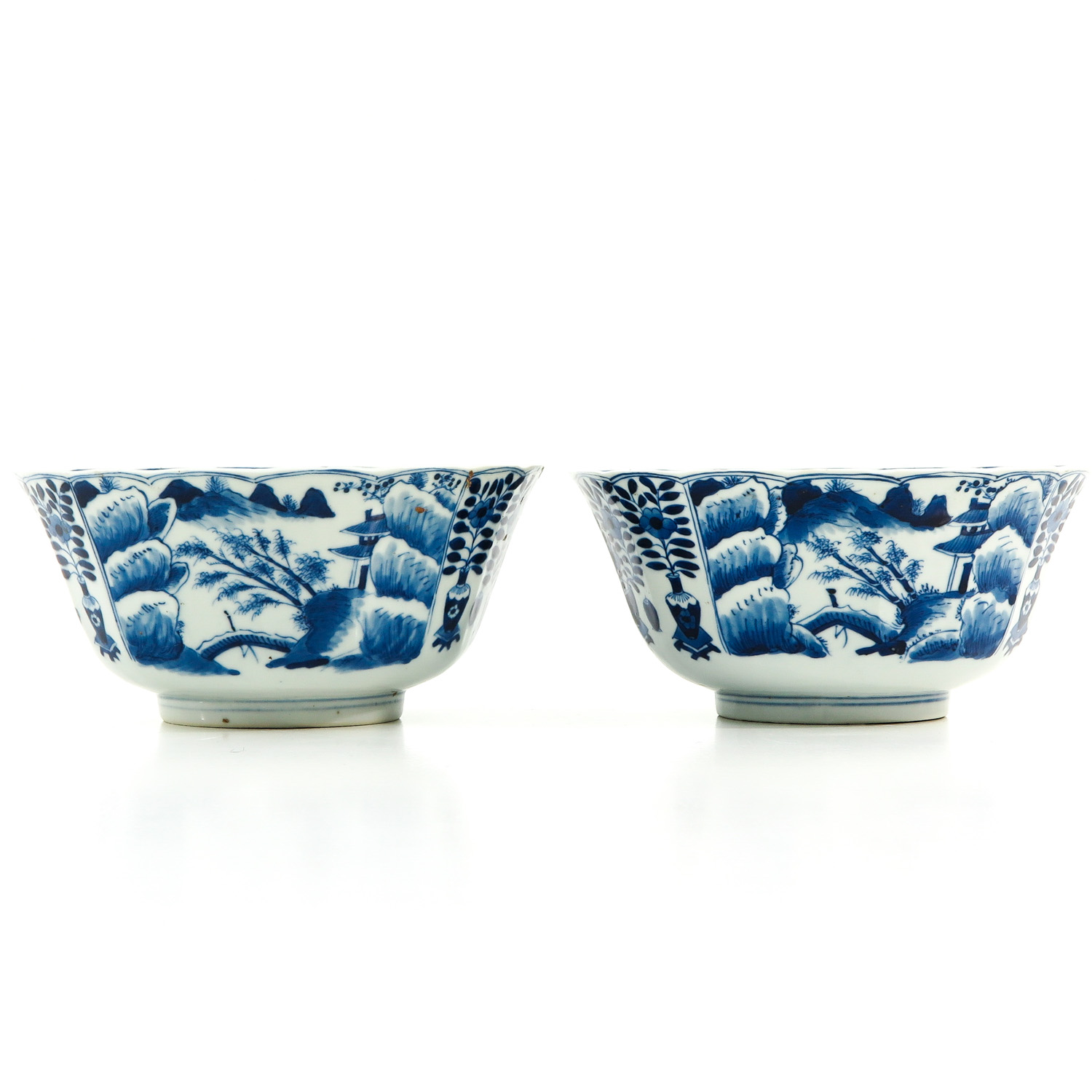 A Pair of Blue and White Bowls - Image 2 of 10