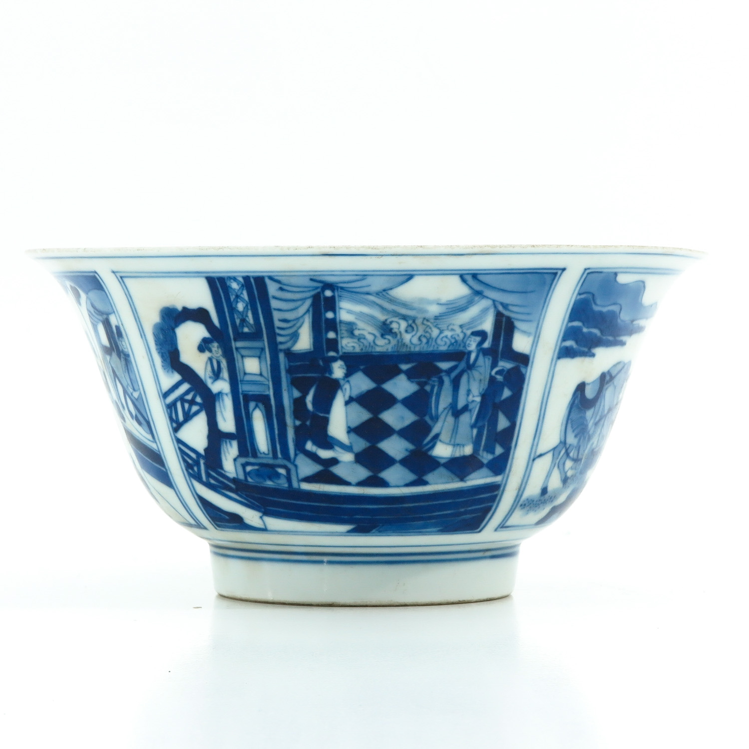 A Blue and White Flared Rim Dish - Image 4 of 10