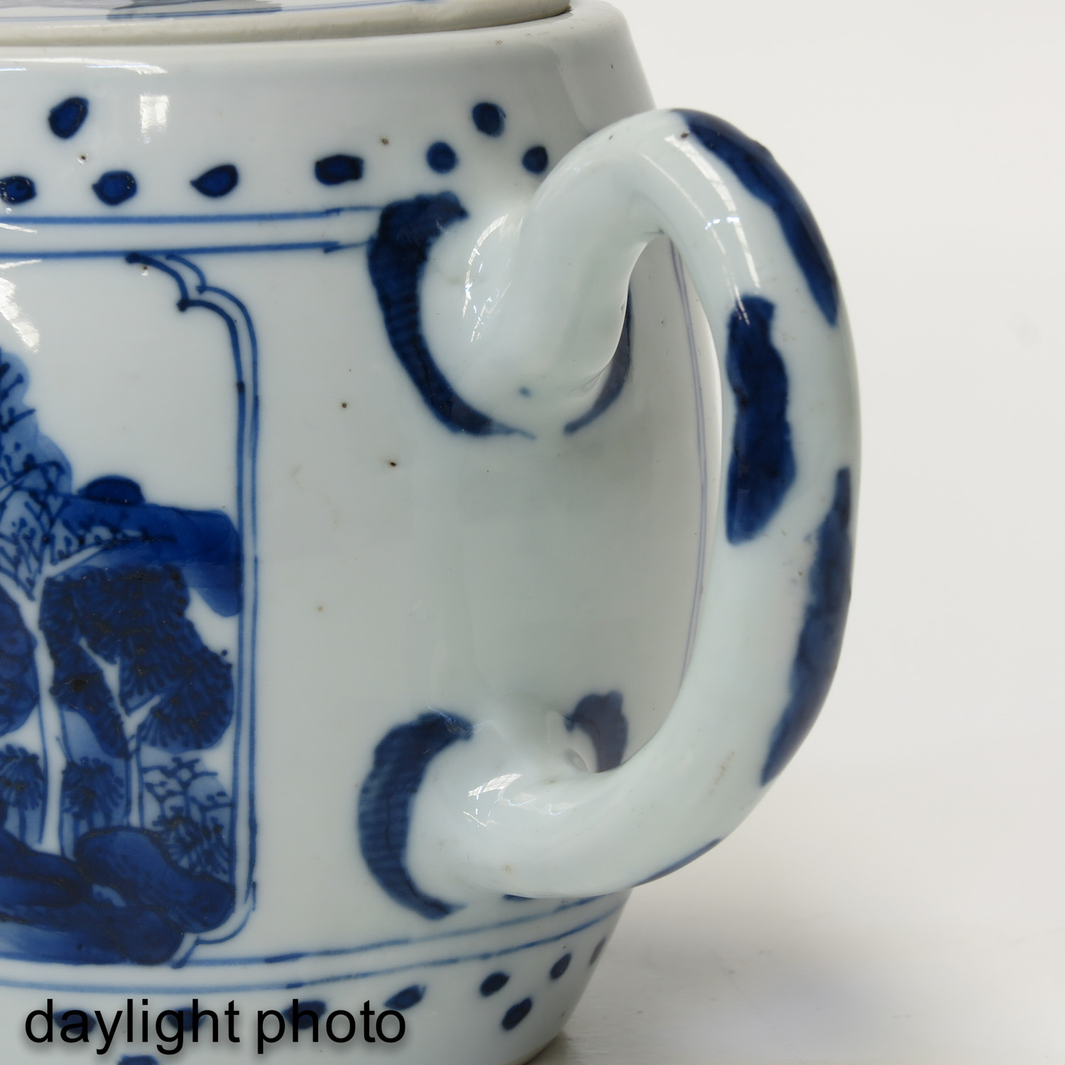 A Blue and White Teapot - Image 10 of 10