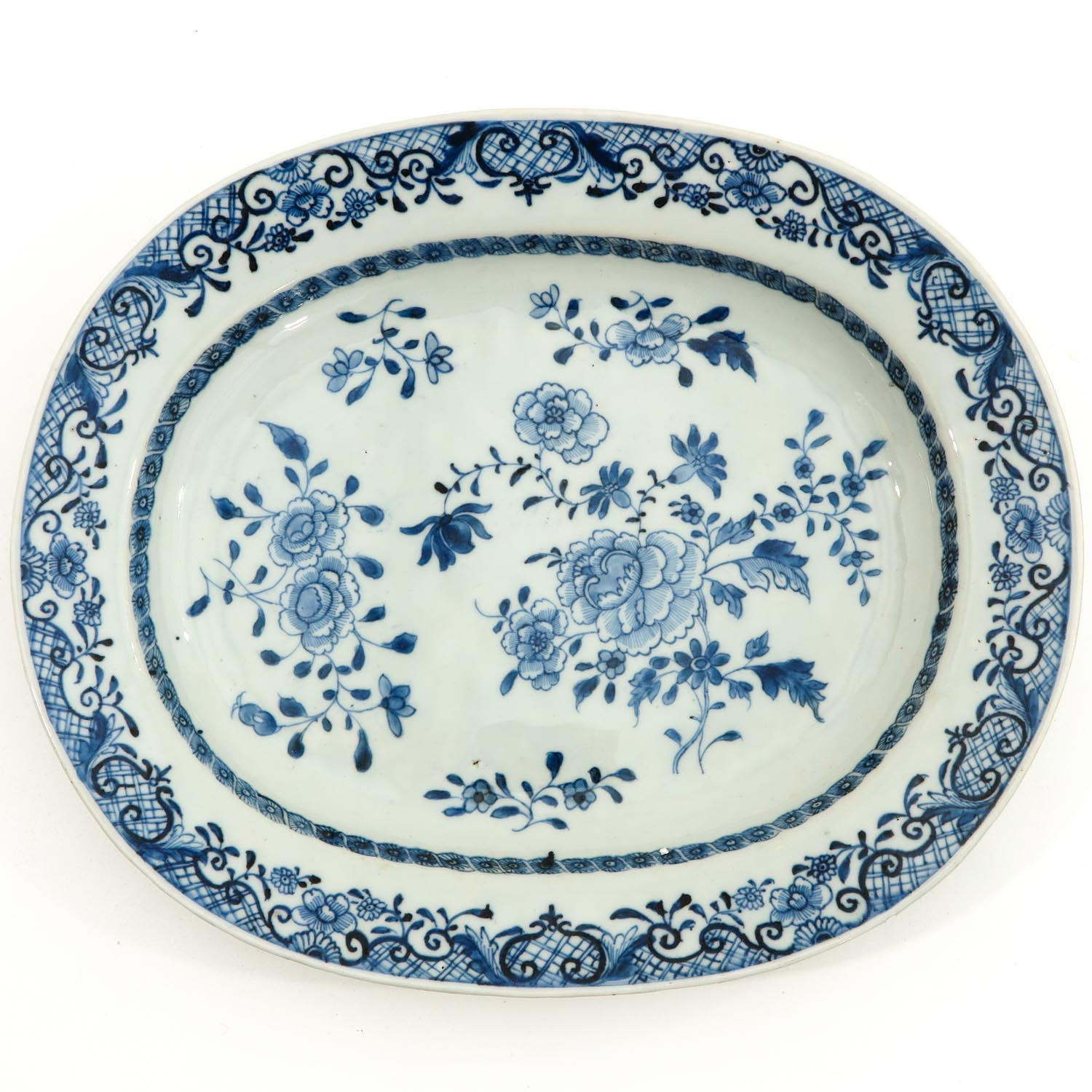 A Lot of 2 Blue and White Trays - Image 3 of 10