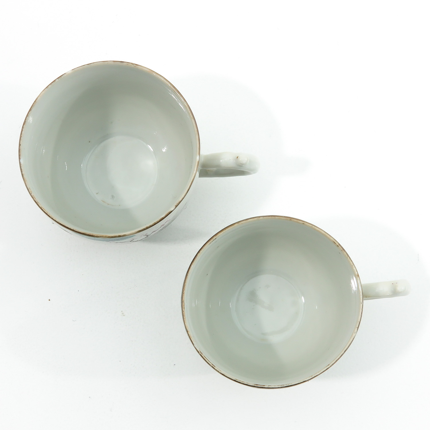 A Pair of Famille Rose Cups and Saucers - Image 5 of 10
