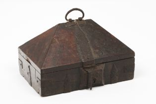 A casketAngelim wood Truncated pyramid lid and inner compartments Bronze hardware India, 19th / 20th
