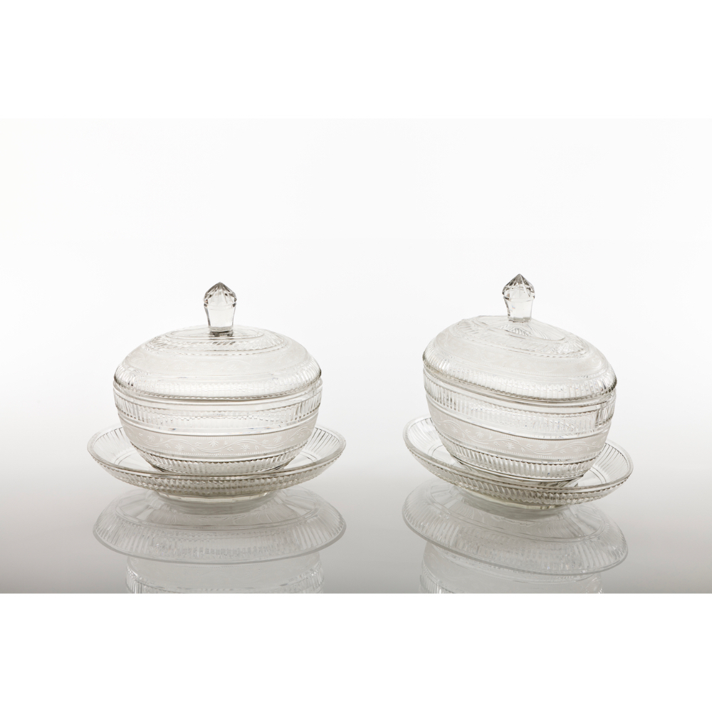 A pair of compote bowls with trayCut crystal Striated friezes and foliage motifs decoration