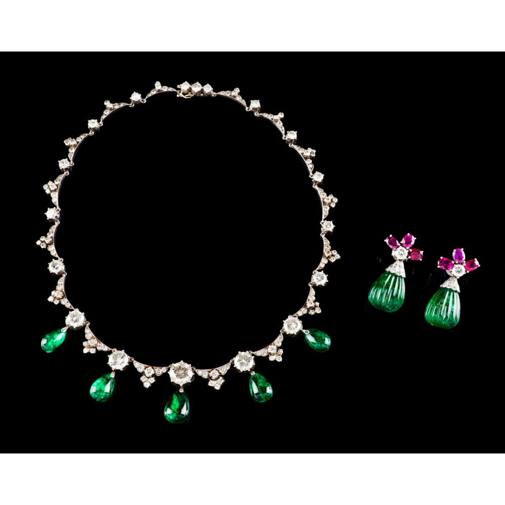 A necklace and pair of earringsWhite gold Articulated links set with 18 antique brilliant cut