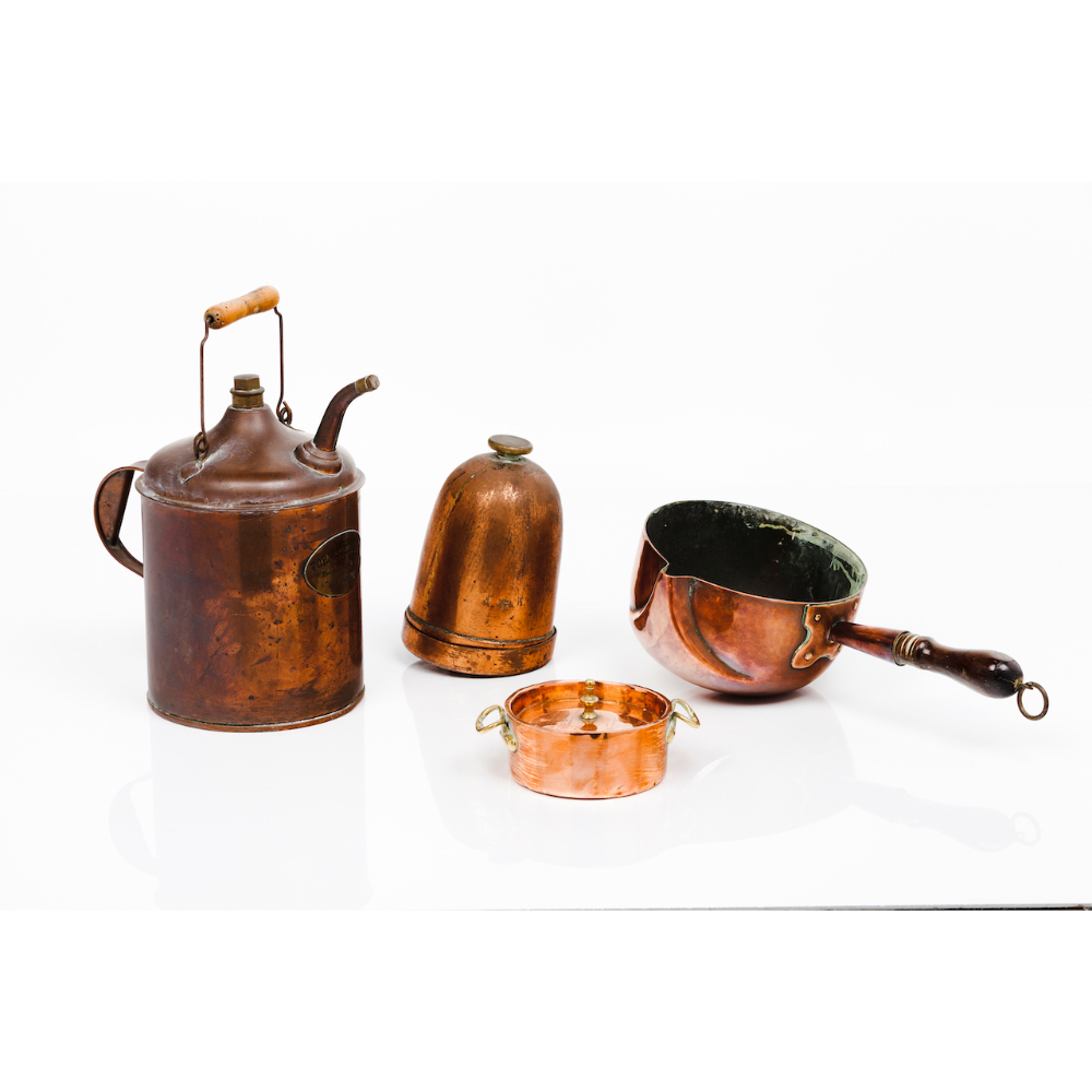 A group of four piecesSmall cooking pot with cover, a round base cooking pot; a vessel for chemics