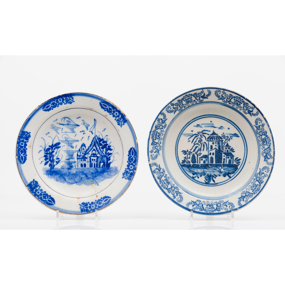 A set of two plates Faience Blue decoration of landscape with buildings 19th centuryDiam.: 33,5 (