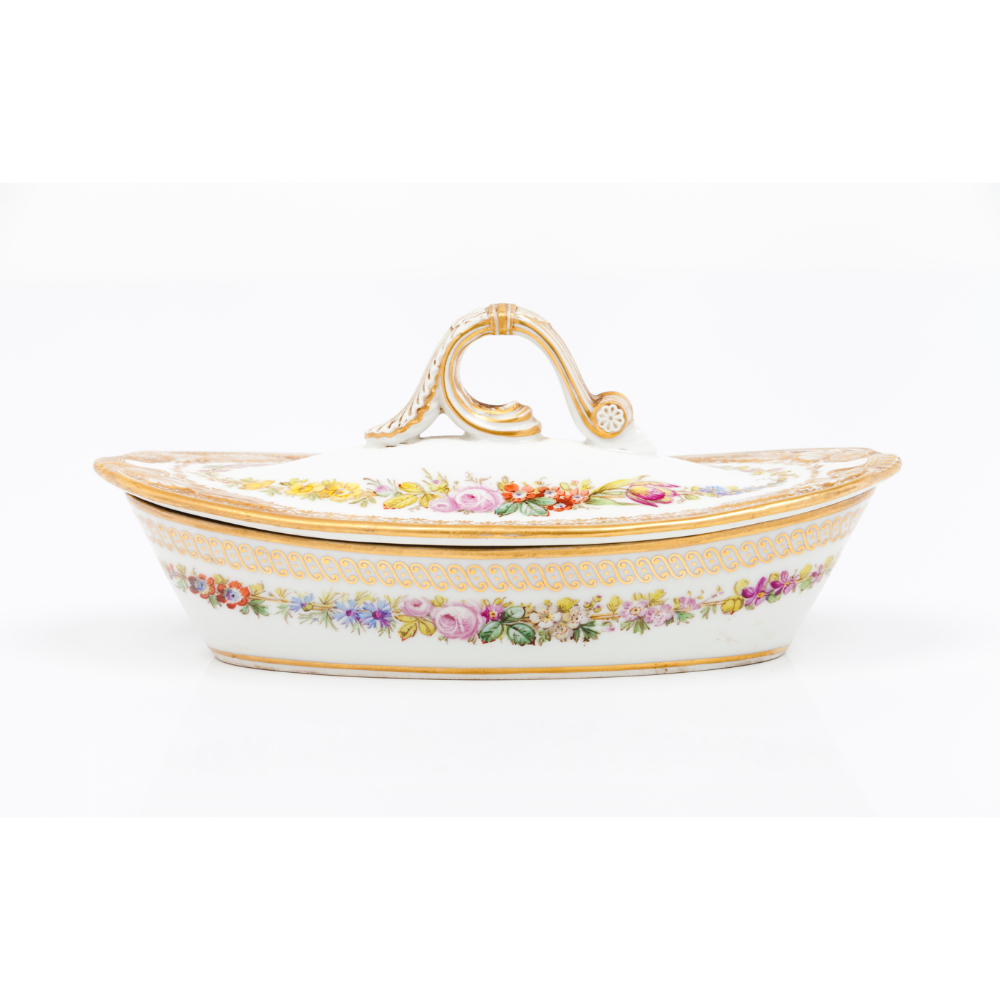 A soap dish and coverPorcelain Floral polychrome and gilt decoration Europe, 19th century (