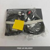 A bundle of Yamaha HS 7 items