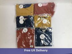 Six Bonnet à Pompon Childrens Tops and Hoodies 8 Years