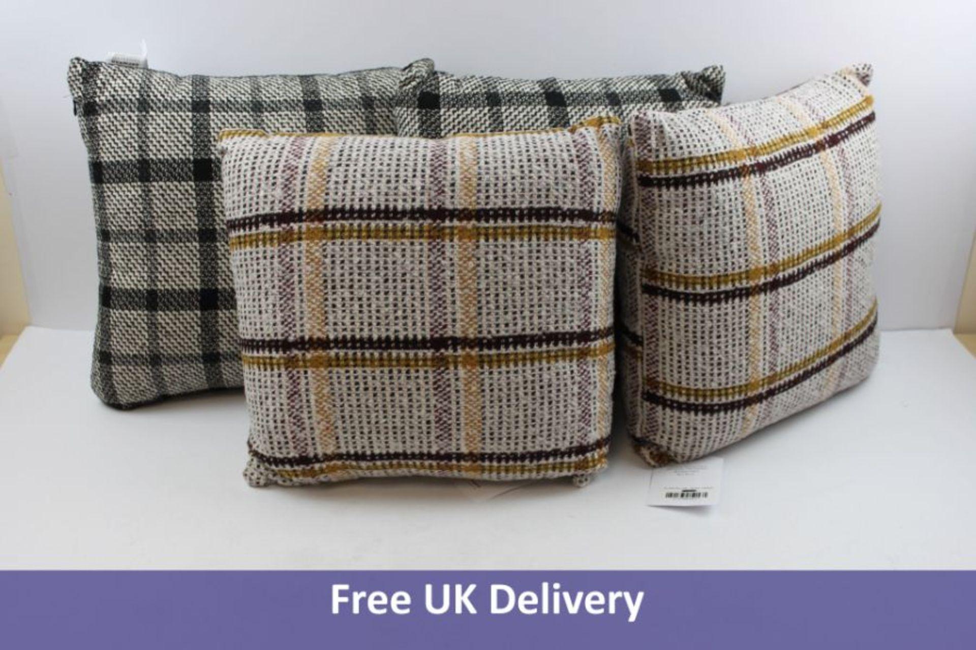 Four Lennox & Harvey Flair Pillows