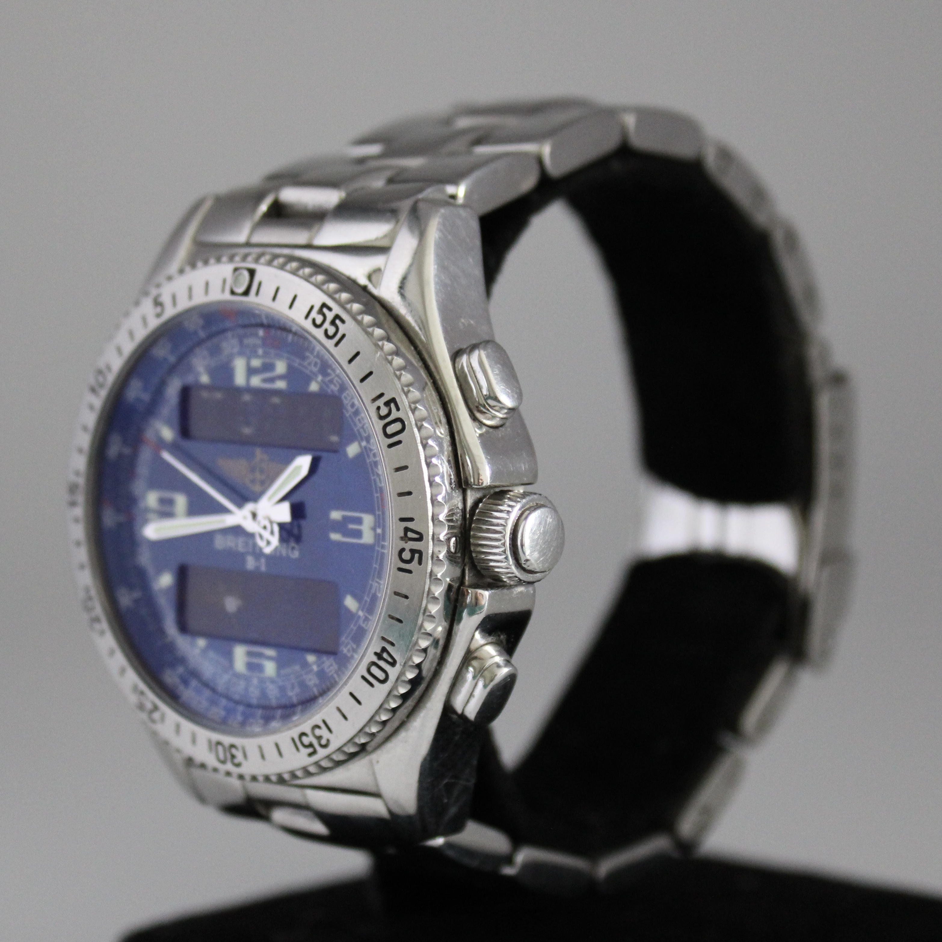 Breitling B1 ref A68062 - Image 2 of 4
