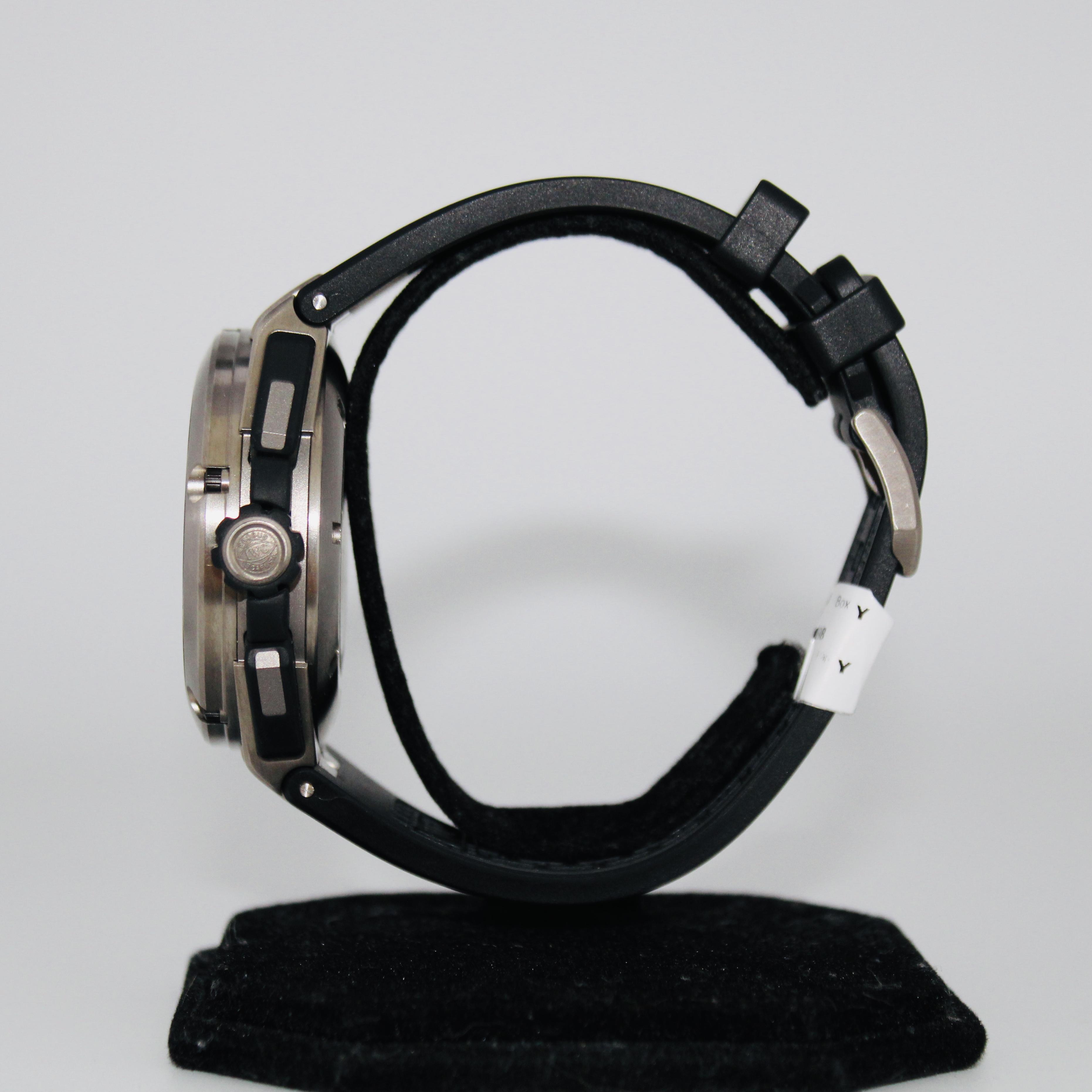 IWC Ingenieur Double Chronograph ref IW37650 - Image 3 of 5