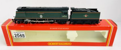 Hornby OO Gauge Lord Beaverbrook Locomotive Boxed P&P Group 1 (£14+VAT for the first lot and £1+