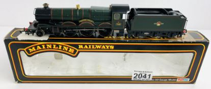 Hornby OO GaugeCadbury Castle Locomotive Boxed (Incorrect Box) P&P Group 1 (£14+VAT for the first