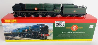 Hornby OO Gauge Clan Line Merchant Navy Boxed P&P Group 1 (£14+VAT for the first lot and £1+VAT
