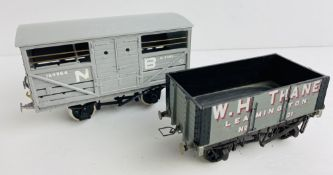 2x O Gauge Kit Built Freight Wagons P&P Group 1 (£14+VAT for the first lot and £1+VAT for subsequent