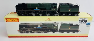 Hornby R2586 OO Gauge Sir Keith Park Boxed P&P Group 1 (£14+VAT for the first lot and £1+VAT for