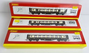 3x Hornby OO Gauge Pullman Coaches R4143, R4145A, R4144 - All with Lights Boxed P&P Group 1 (£14+VAT