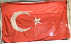 Turkish Ottoman WWI type flag, 120 x 180 cm dated 1917. P&P Group 1 (£14+VAT for the first lot