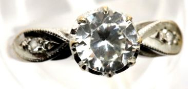 9ct gold solitaire stone set ring, size H/I, 2.1g. P&P Group 1 (£14+VAT for the first lot and £1+VAT