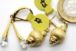 Two pairs of gold plated silver drop earrings. P&P Group 1 (£14+VAT for the first lot and £1+VAT for