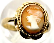 9ct gold cameo set ring, size K/L, 2.9g. P&P Group 1 (£14+VAT for the first lot and £1+VAT for