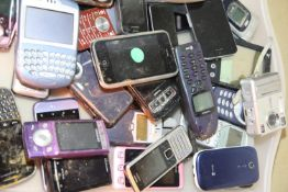 Tray of mixed mobile phones to include Nokia Samsung Siemens. Not available for in-house P&P