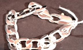 925 silver curb link bracelet. P&P Group 1 (£14+VAT for the first lot and £1+VAT for subsequent