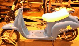 Razor childs battery operated vespa type scooter with charging cable. Not available for in-house P&P