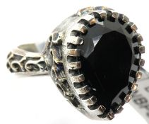 Heavy pewter black onyx set ring. Size P, 7.9g. P&P Group 1 (£14+VAT for the first lot and £1+VAT