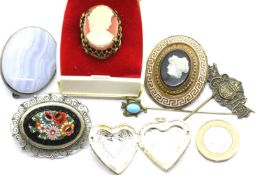 Mixed vintage jewellery, including a cameo set pinchbeck mourning brooch, stick pins, cameo ring