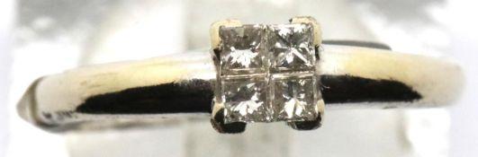 Ladies 18ct gold four stone Princess cut diamond ring, size L, 2.4g. P&P Group 1 (£14+VAT for the