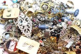 Quantity of costume jewellery including dress rings, earrings, cufflinks etc. P&P Group 1 (£14+VAT