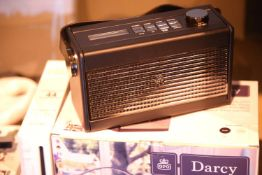 GPO Darcy portable analogue FM/AM radio with alarm clock, preset 20 radio stations. P&P Group 2 (£