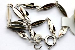 Ladies 925 silver link bracelet L: 19cm. P&P Group 1 (£14+VAT for the first lot and £1+VAT for