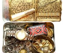 Small tin of mixed costume jewellery and thimbles including silver. P&P Group 1 (£14+VAT for the