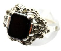 Ladies silver onyx oblong ring, size M, stamped 925. P&P Group 1 (£14+VAT for the first lot and £1+