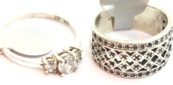 Two ladies vintage silver rings, sizes O & R. P&P Group 1 (£14+VAT for the first lot and £1+VAT