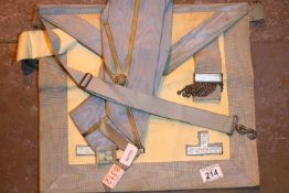 Vintage Masons apron and sash. Not available for in-house P&P, contact Paul O'Hea at Mailboxes on
