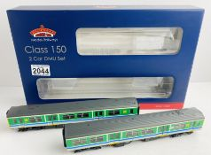 Bachmann 32-937 'Centro' Class 150/2 DMU Boxed with detailing pack & Instructions P&P