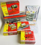 An Assortment of Hornby Buildings - (Contents Appear Complete but Remain Unchecked) Boxed P&P