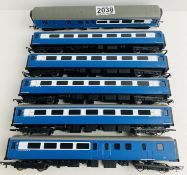 6x Hornby Blue/White Pullman Car Coaches - With Interior Lights & Tail Light (Untested), 3x Coupling
